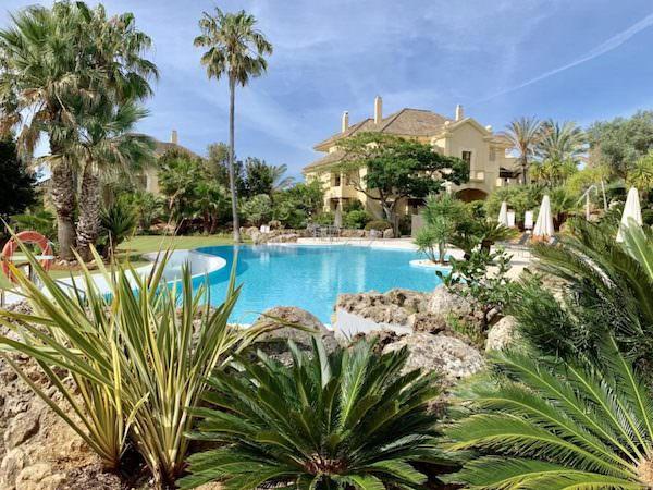 Viviendas exclusivas en el Campo de Gibraltar - Inmobiliaria en La Alcaidesa At Home Service especialista en propiedades en Sotogrande - Cádiz, España